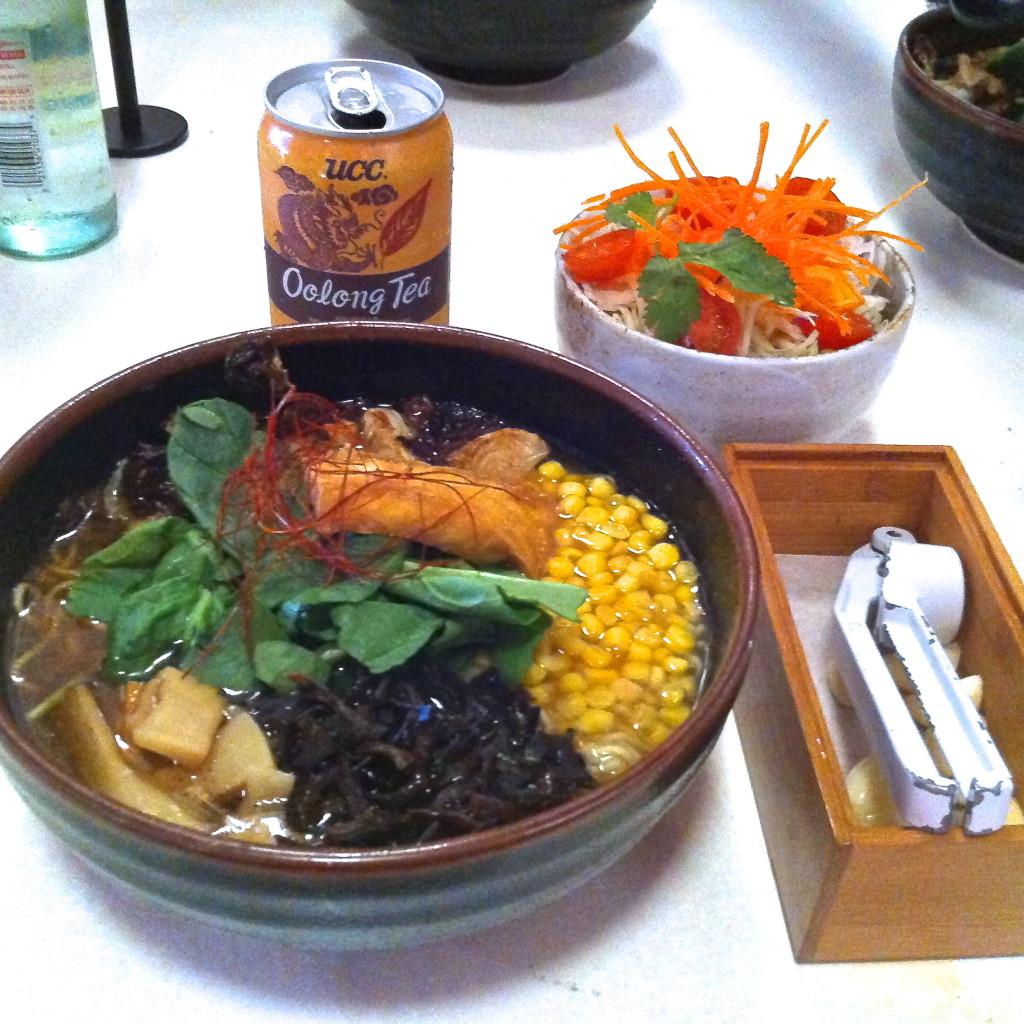 Vegan Ramen with oolong tea, side salad, and extra garlic at Ramen Tatsu-Ya.