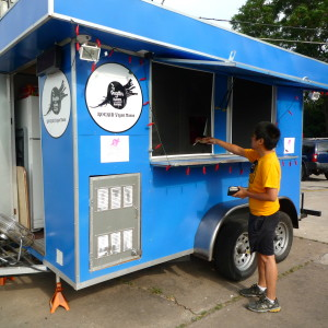 The Vegan Nom Trailer located on North Loop