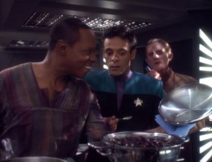 Sisko serves a home-cooked meal